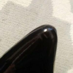 Donald J. Pliner Shoes - Donald J Pliner brown patent leather flats